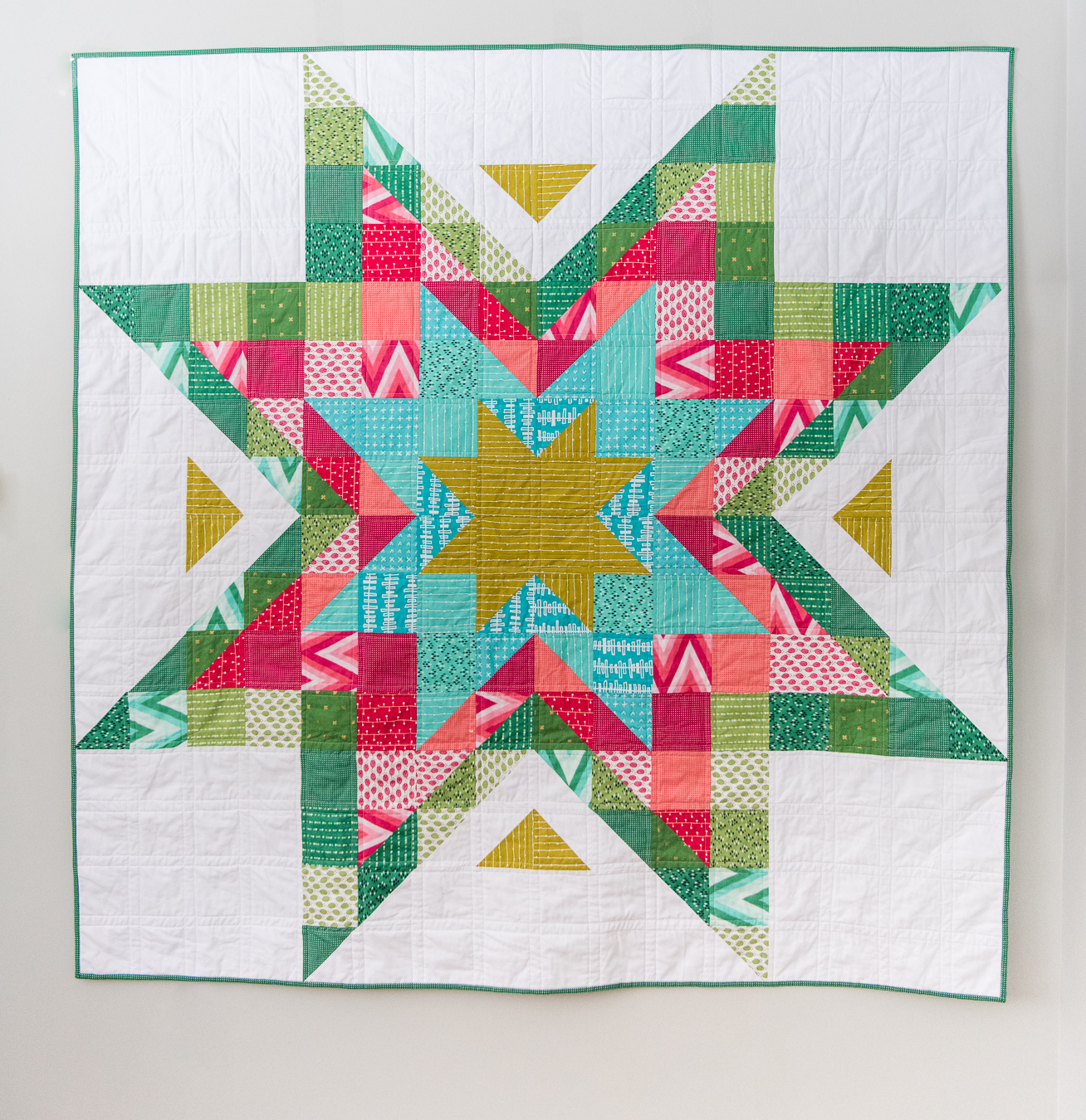Expanding stars quilt the scrappy christmas version