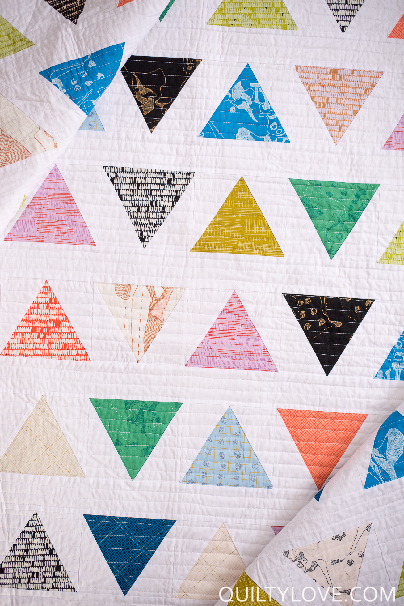 Introducing the TRIANGLE POP quilt pattern - Quilty Love : 60 degree triangle quilt - Adamdwight.com