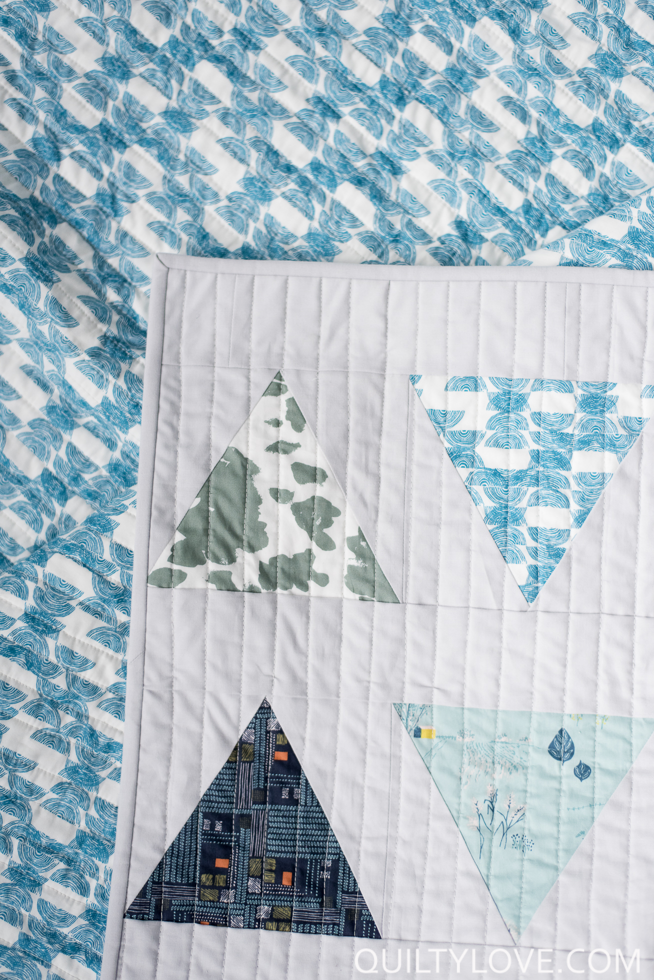 triangle pop quilt