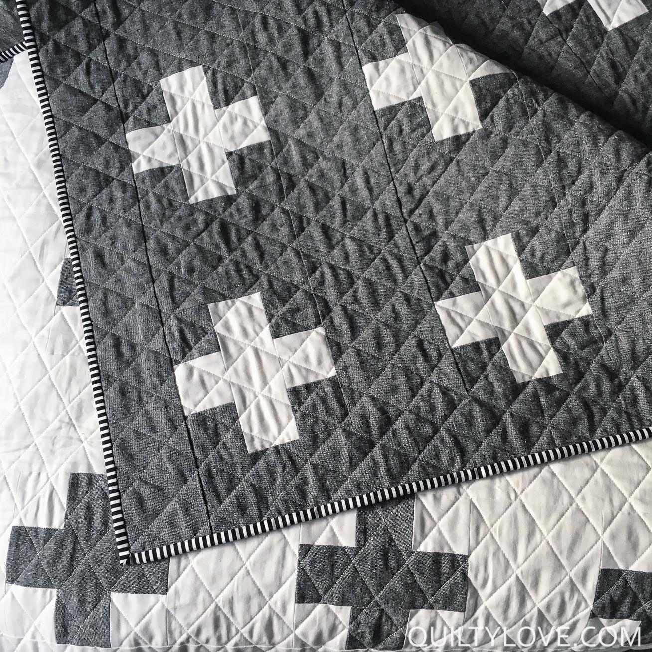 Essex Linen Plus Quilt