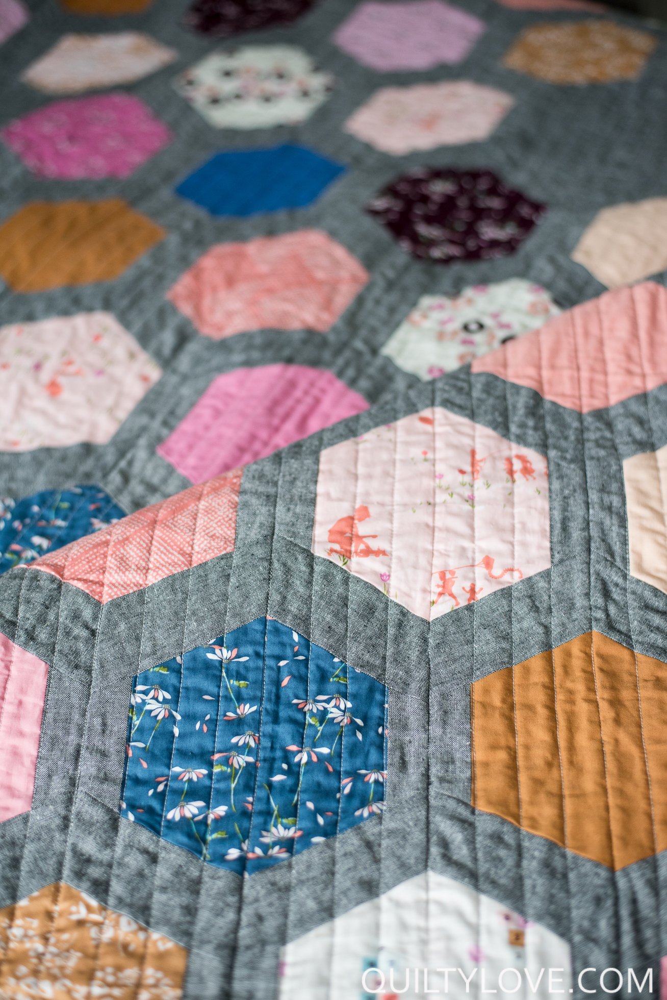 Hexie Framed Essex linen quilt