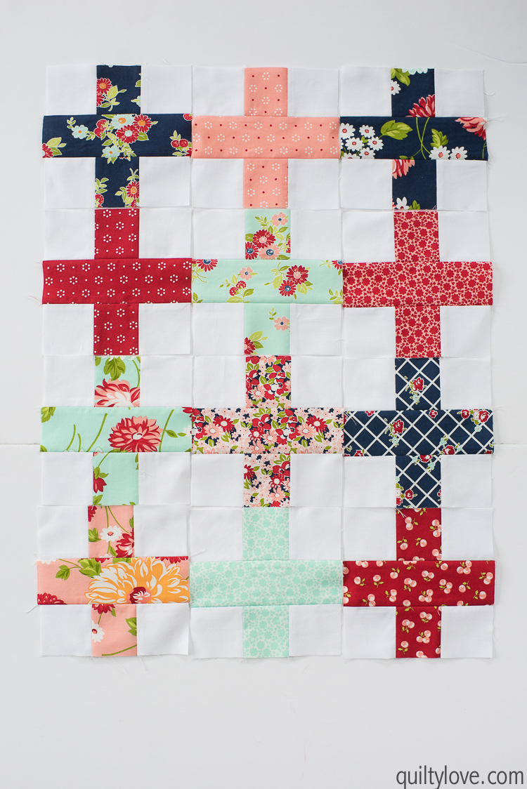 How to make a doll quilt - Free tutorial - Quilty Love : doll quilt - Adamdwight.com