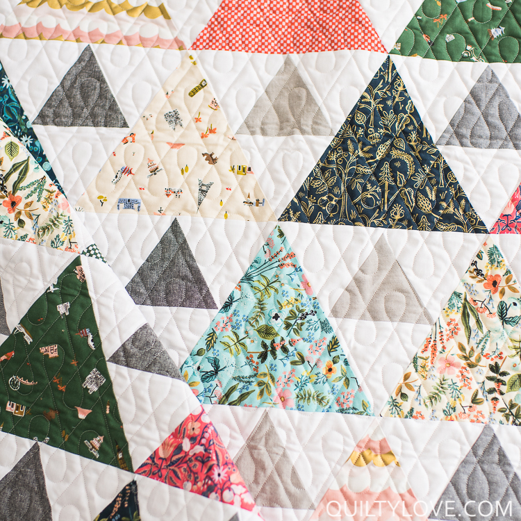 Triangle Peaks quilt pattern by Emily of quiltylove.com