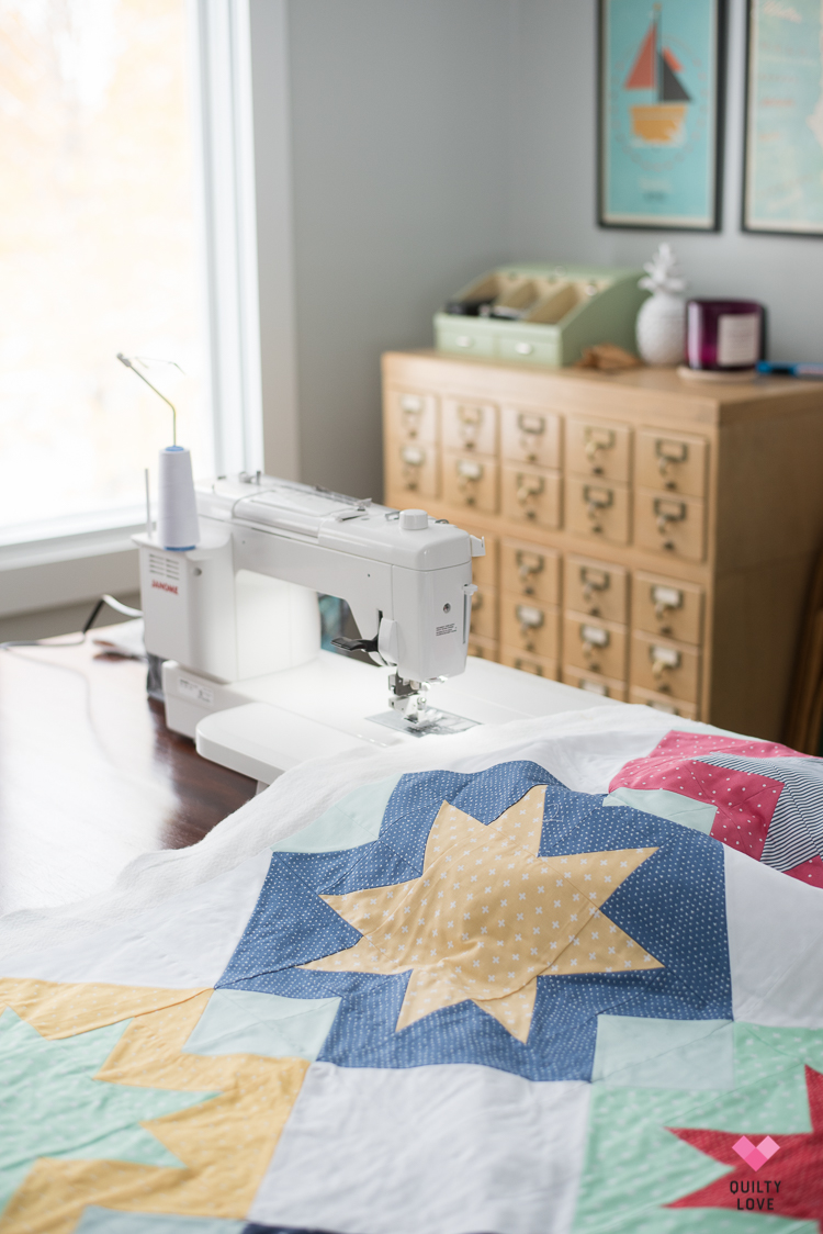 North Star Quilt by Emily of quiltylove.com