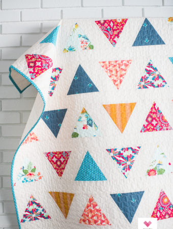 Triangle Pop quilt pattern by Emily of quiltylove.com